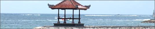 Pavillion am Strand von Bali